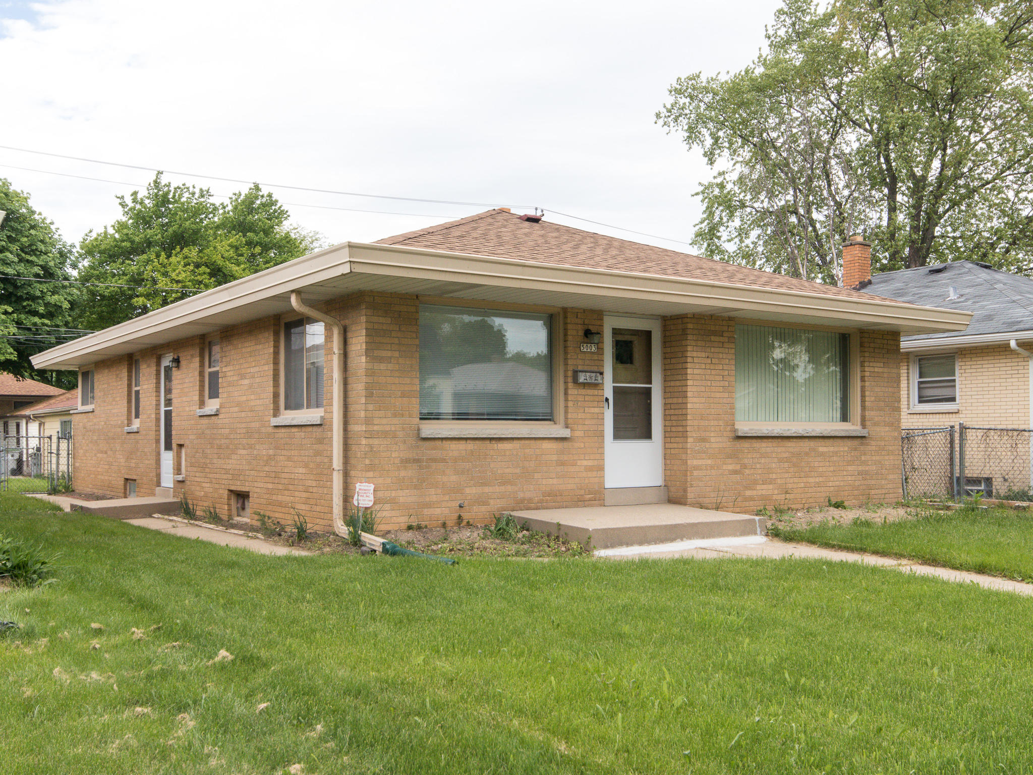 5003 67th St, Milwaukee, Wisconsin 53218, 3 Bedrooms Bedrooms, 6 Rooms Rooms,1 BathroomBathrooms,Single-Family,For Sale,67th St,1691464