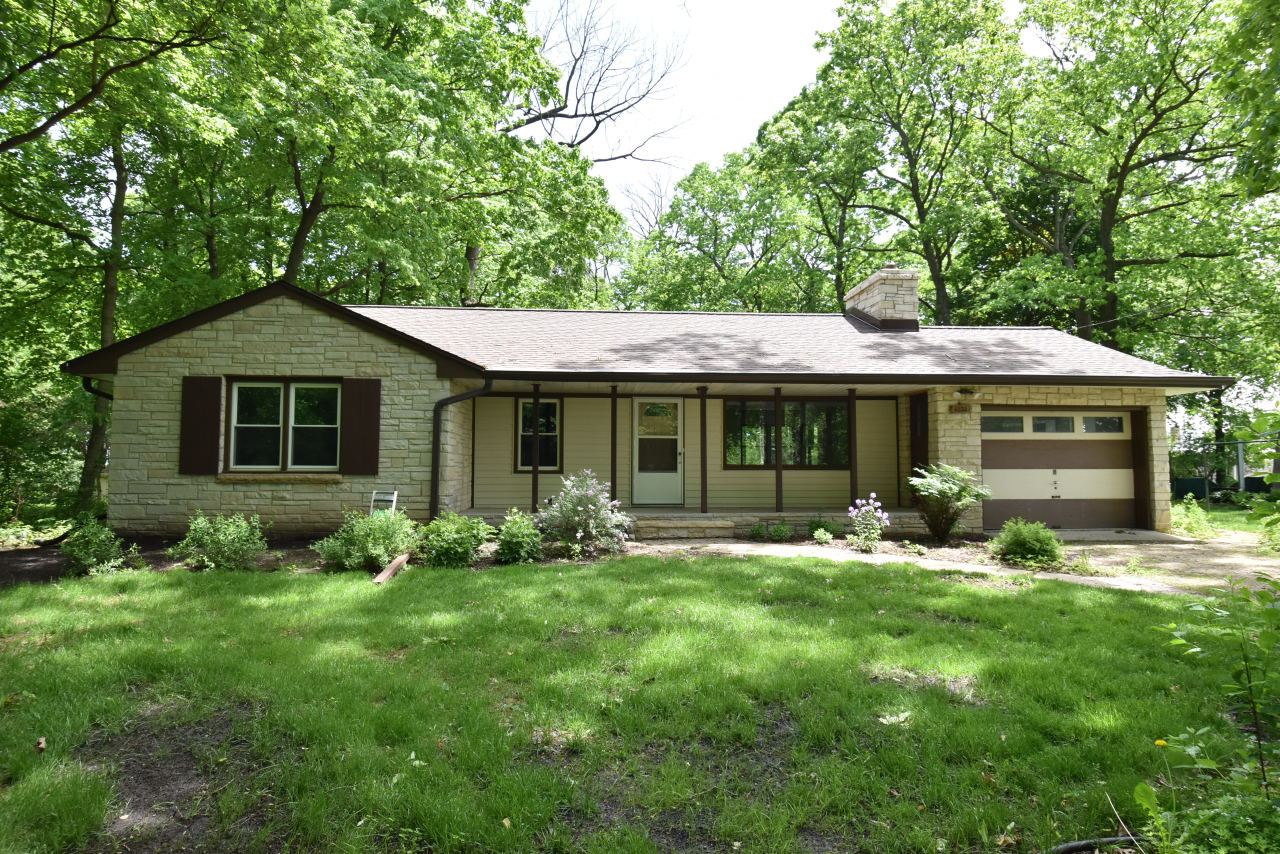 4030 133rd St, Brookfield, Wisconsin 53005, 3 Bedrooms Bedrooms, 5 Rooms Rooms,1 BathroomBathrooms,Single-Family,For Sale,133rd St,1691946