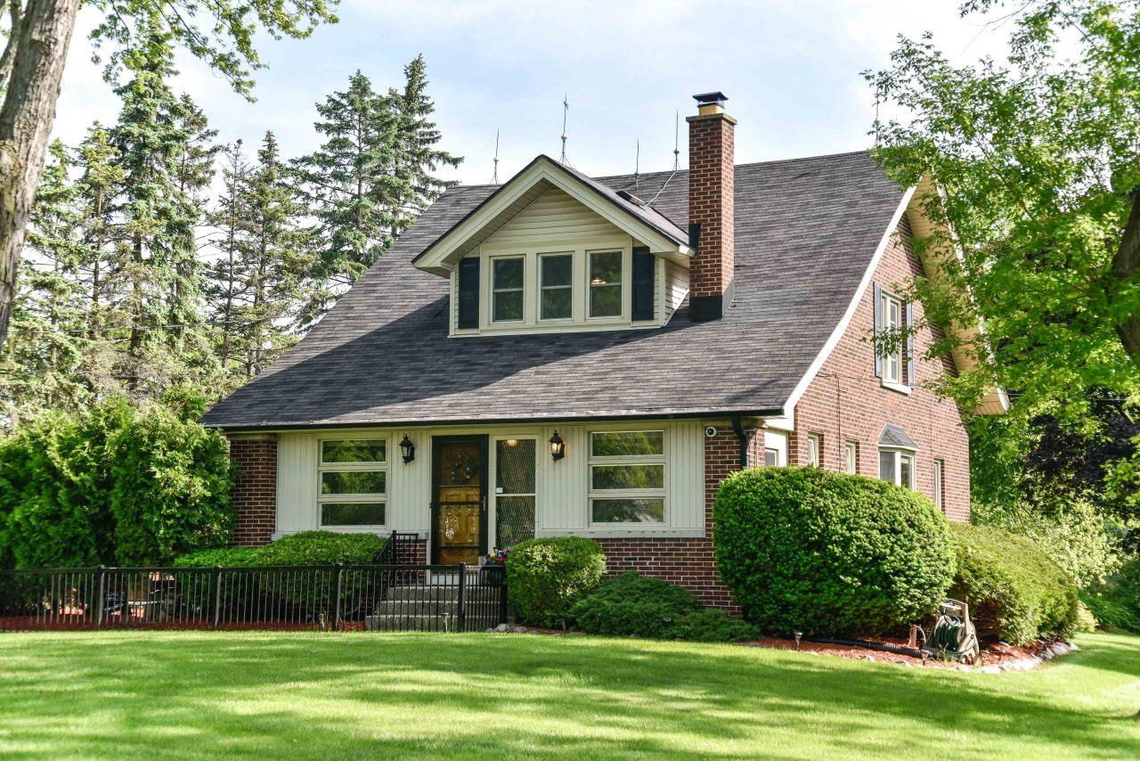 13520 Lisbon Rd, Brookfield, Wisconsin 53005, 3 Bedrooms Bedrooms, 7 Rooms Rooms,2 BathroomsBathrooms,Single-Family,For Sale,Lisbon Rd,1691944