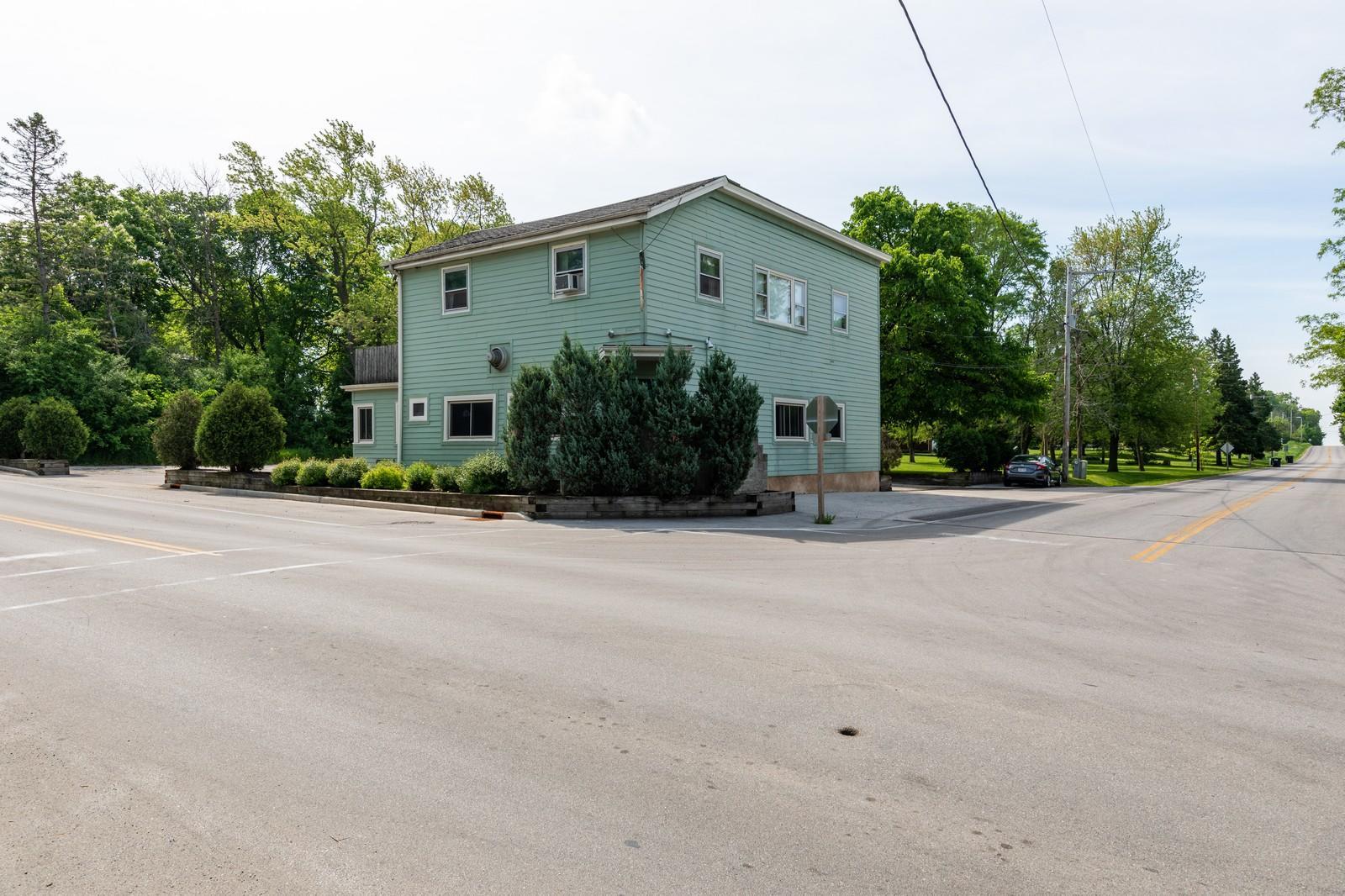 Photo of 10631 W Freistadt Rd, Mequon, WI 53097