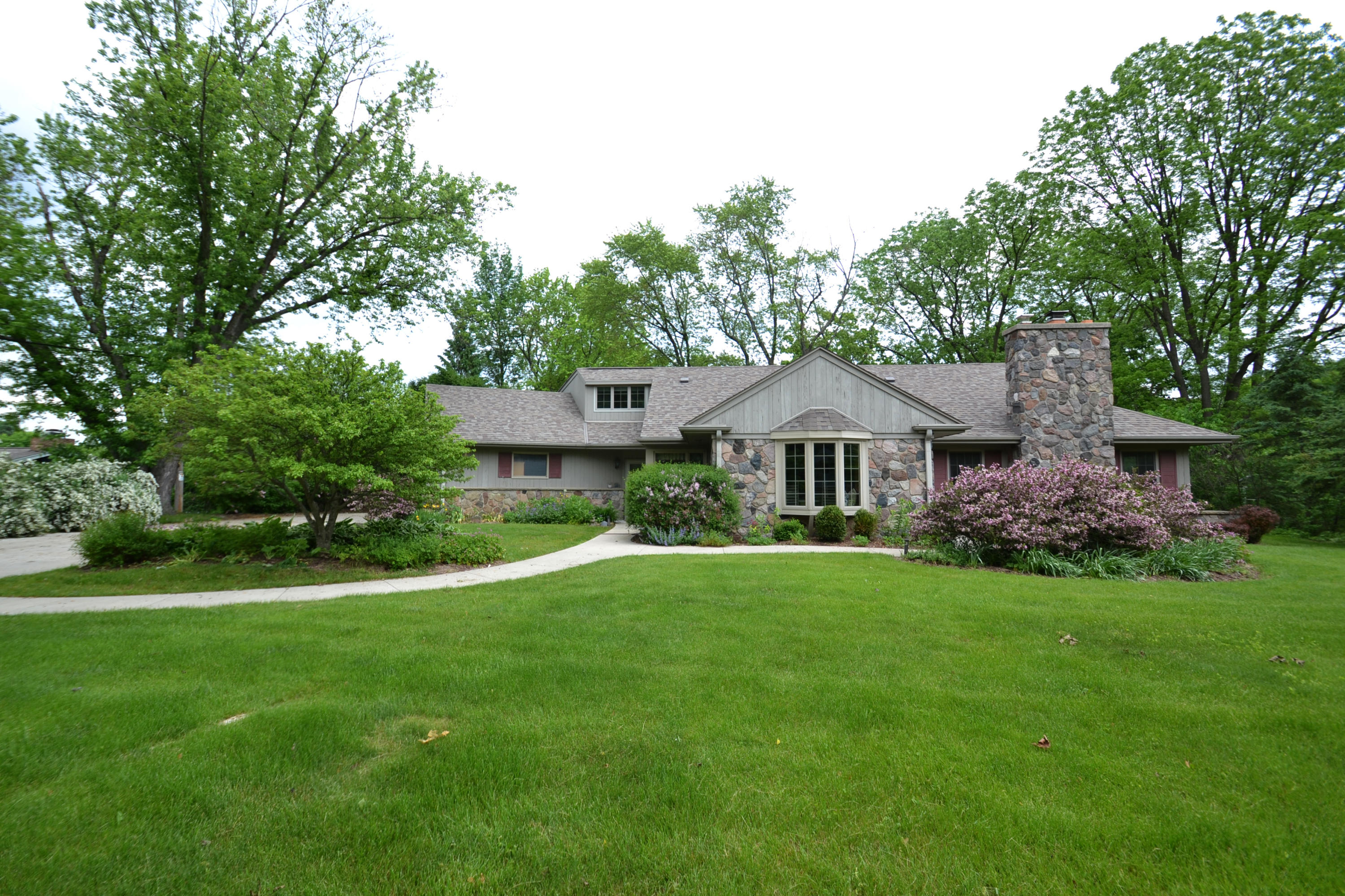 1420 Countryside Ln, Brookfield, Wisconsin 53045, 4 Bedrooms Bedrooms, 8 Rooms Rooms,2 BathroomsBathrooms,Single-Family,For Sale,Countryside Ln,1691265