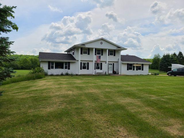 498 Lapham Peak Rd, Delafield, Wisconsin 53018, 4 Bedrooms Bedrooms, ,2 BathroomsBathrooms,Single-Family,For Sale,Lapham Peak Rd,1692564