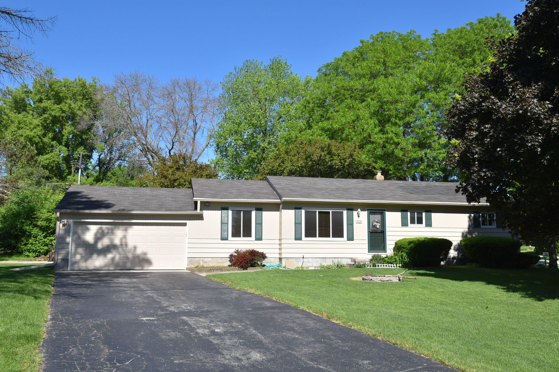 725 Webster Ave, Brookfield, Wisconsin 53005, 3 Bedrooms Bedrooms, 6 Rooms Rooms,1 BathroomBathrooms,Single-Family,For Sale,Webster Ave,1691660