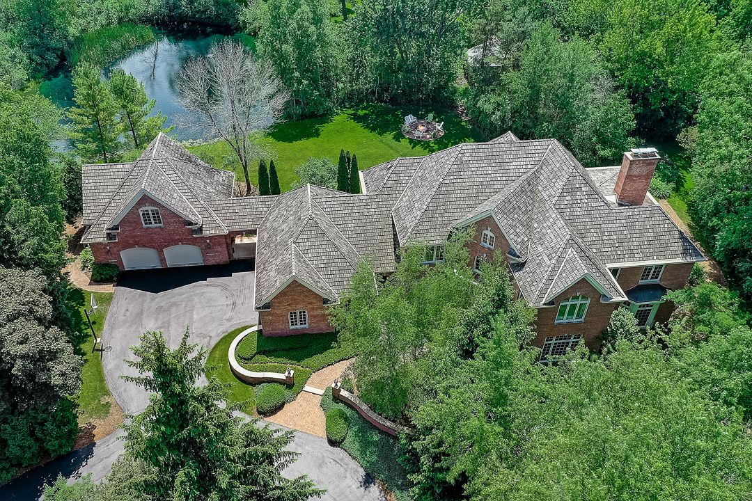 2821 W Hidden Lake Rd, Mequon, WI 53092