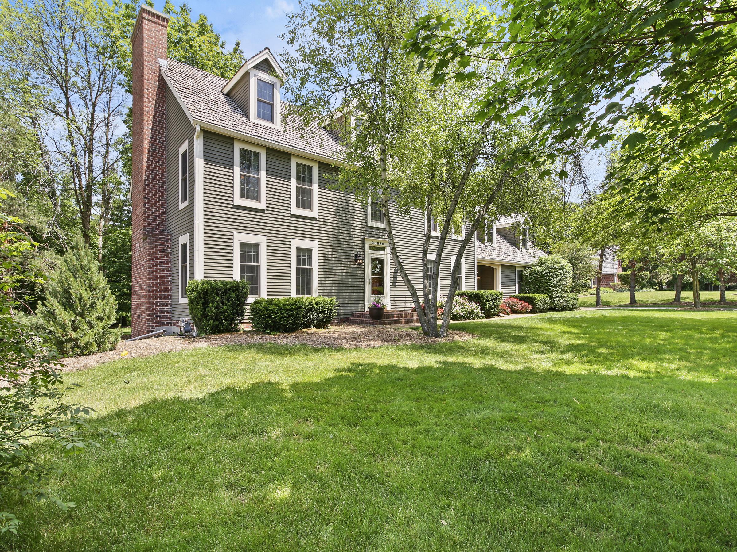 20860 Saxon Ct, Brookfield, Wisconsin 53045, 4 Bedrooms Bedrooms, 8 Rooms Rooms,3 BathroomsBathrooms,Single-Family,For Sale,Saxon Ct,1694463