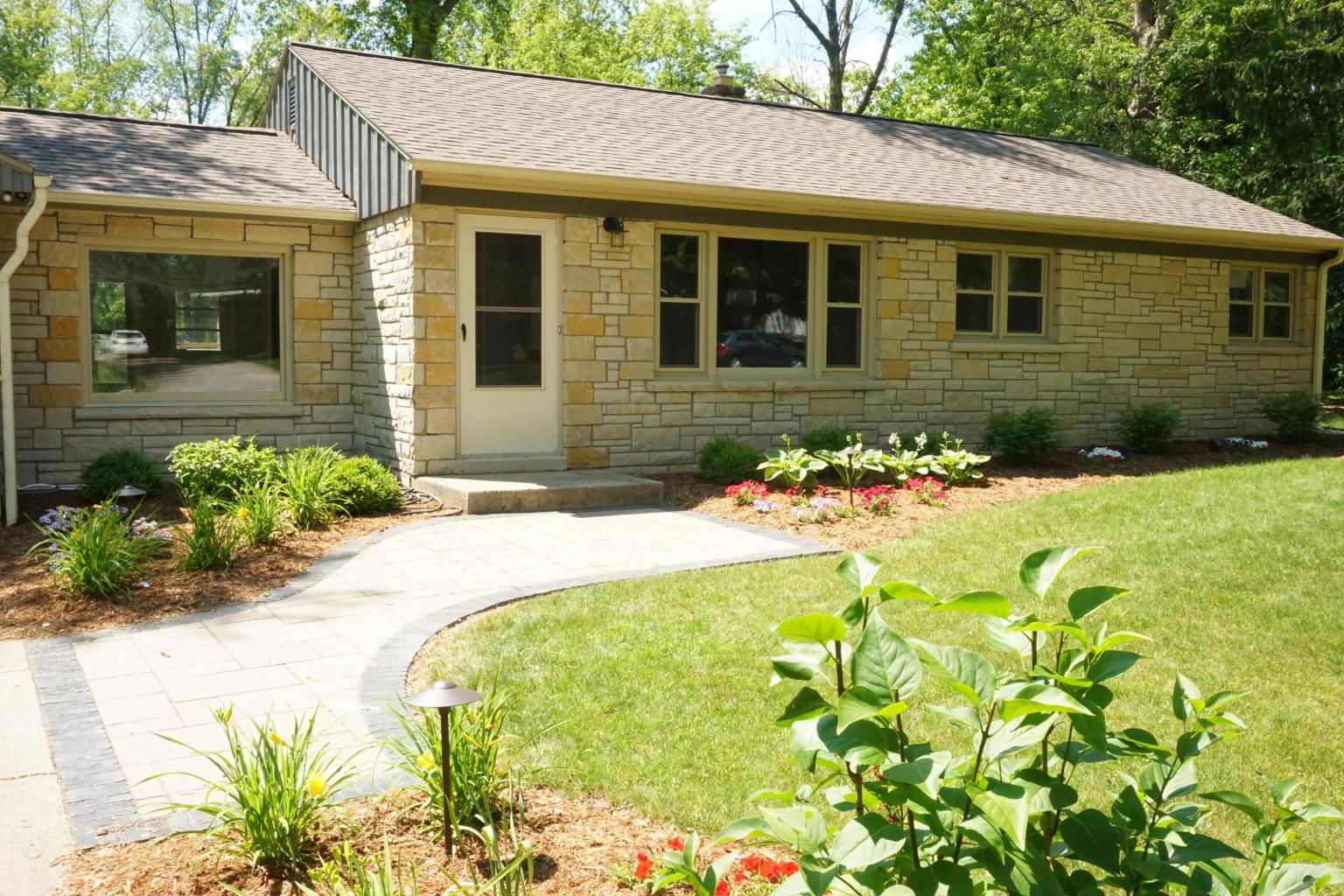 2625 El Rancho Dr, Brookfield, Wisconsin 53005, 3 Bedrooms Bedrooms, 6 Rooms Rooms,2 BathroomsBathrooms,Single-Family,For Sale,El Rancho Dr,1695098