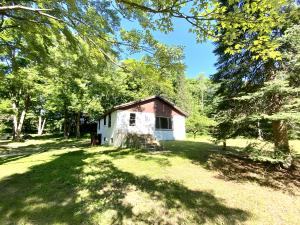 N8719 Pines Rd, Middle Inlet, WI 54177