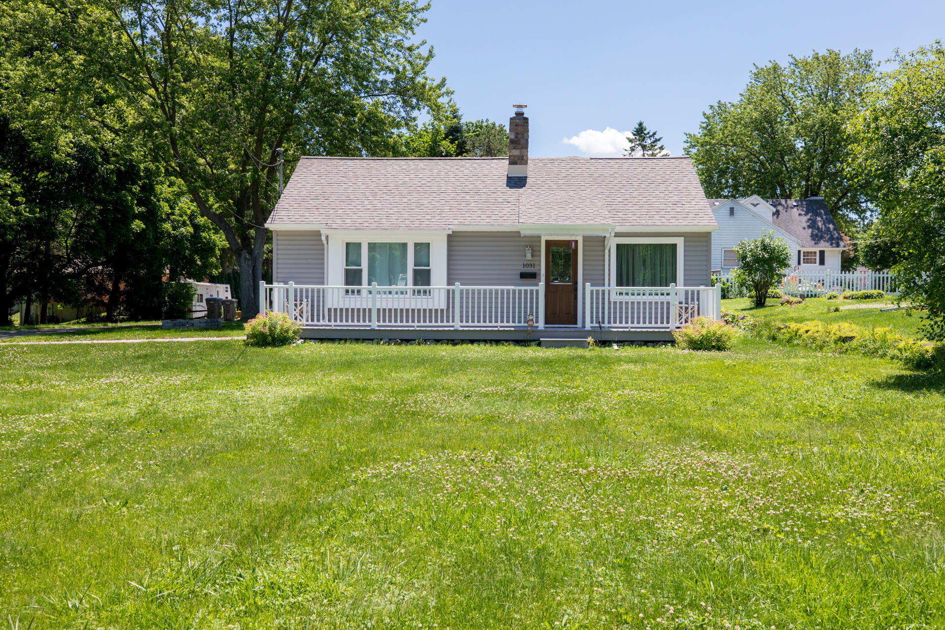 1031 Lisbon Ave, Hartland, Wisconsin 53029, 3 Bedrooms Bedrooms, 6 Rooms Rooms,1 BathroomBathrooms,Single-Family,For Sale,Lisbon Ave,1696052