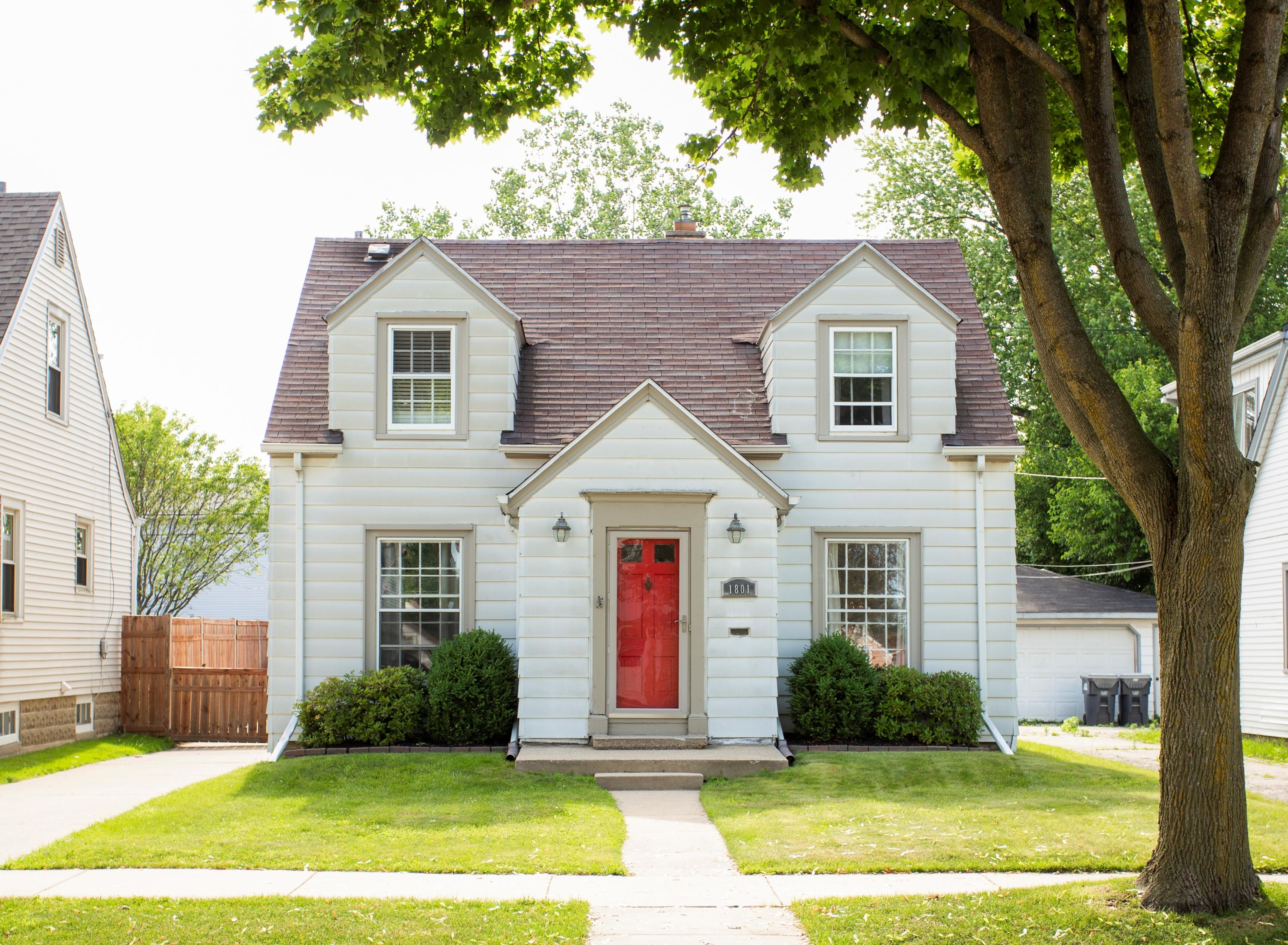 1801 55th St, West Milwaukee, Wisconsin 53214, 3 Bedrooms Bedrooms, ,1 BathroomBathrooms,Single-Family,For Sale,55th St,1696734