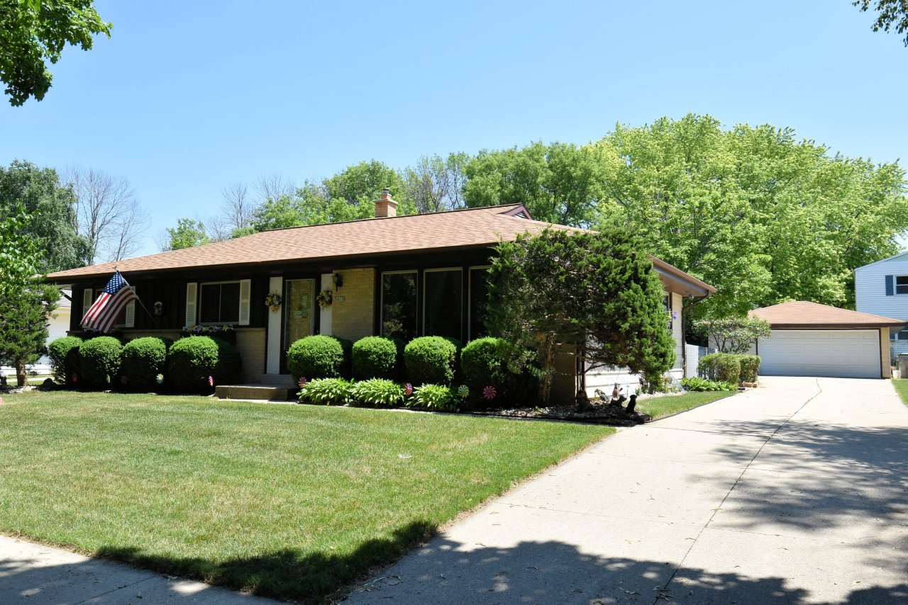 7412 87th St, Milwaukee, Wisconsin 53224, 3 Bedrooms Bedrooms, ,1 BathroomBathrooms,Single-Family,For Sale,87th St,1696780