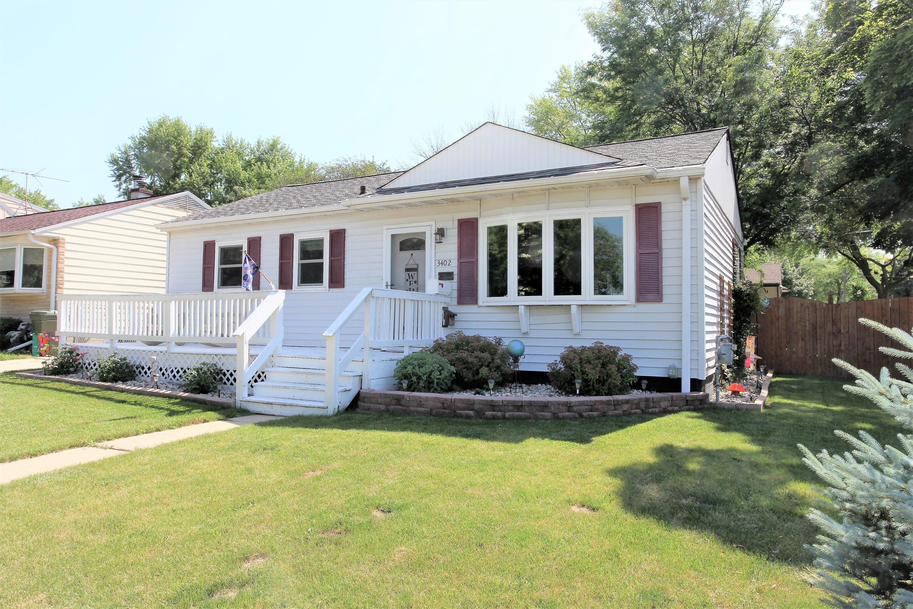 3402 99th St, Milwaukee, Wisconsin 53222, 3 Bedrooms Bedrooms, 7 Rooms Rooms,2 BathroomsBathrooms,Single-Family,For Sale,99th St,1696887