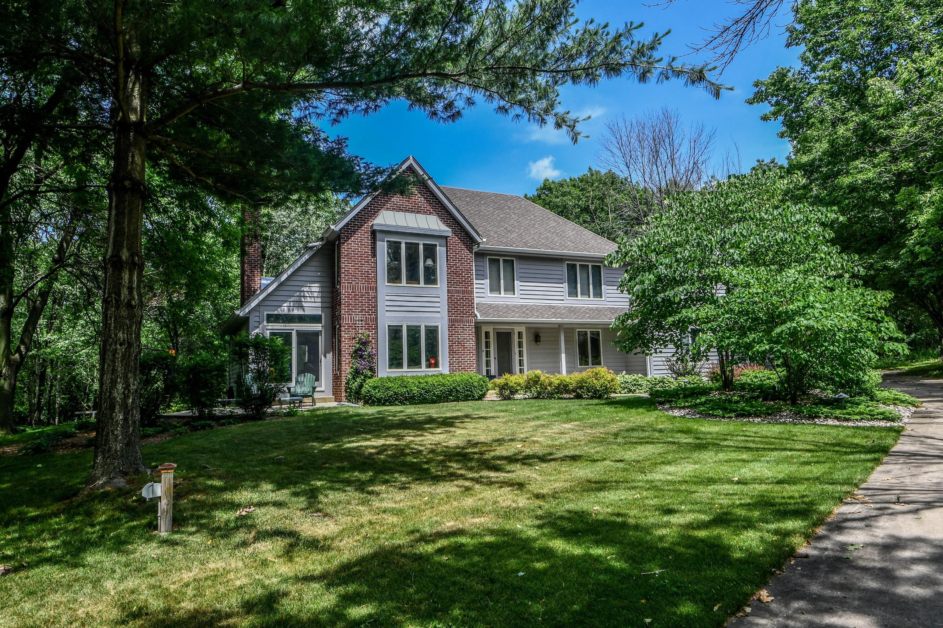 1248 Lost Woods Rd, Summit, Wisconsin 53066, 4 Bedrooms Bedrooms, 12 Rooms Rooms,3 BathroomsBathrooms,Single-Family,For Sale,Lost Woods Rd,1697187