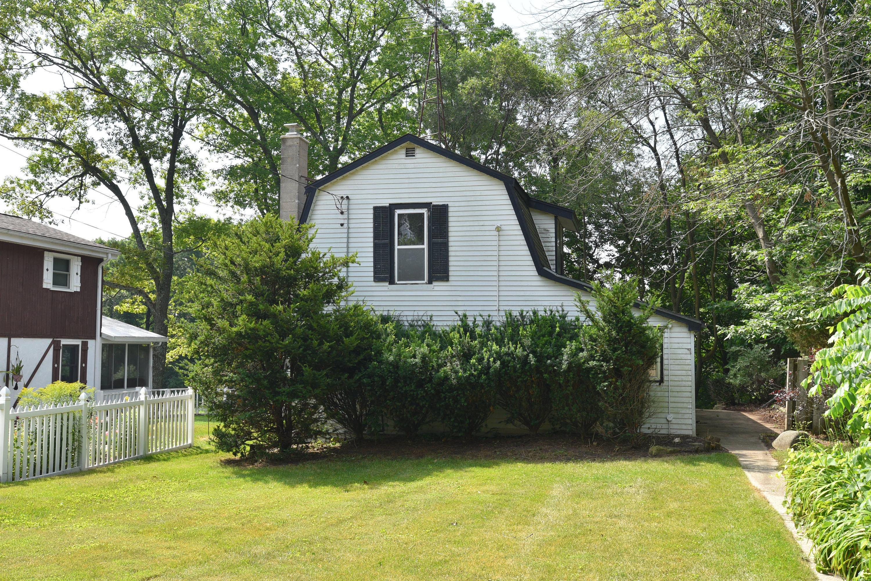1716 Bark River Dr, Delafield, Wisconsin 53029, 2 Bedrooms Bedrooms, 5 Rooms Rooms,1 BathroomBathrooms,Single-Family,For Sale,Bark River Dr,1698315