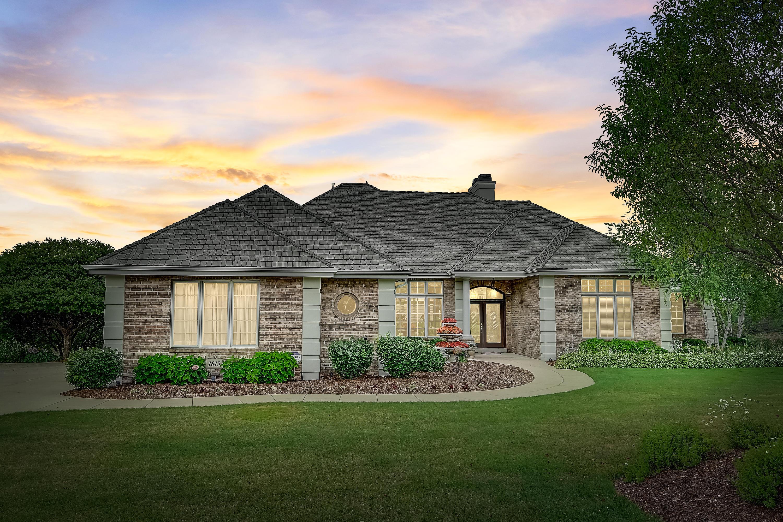 1815 Bristlecone Dr, Hartland, Wisconsin 53029, 3 Bedrooms Bedrooms, 14 Rooms Rooms,3 BathroomsBathrooms,Single-Family,For Sale,Bristlecone Dr,1698462