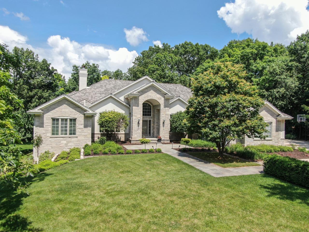 W305N2974 Red Oak Ct, Delafield, Wisconsin 53072, 5 Bedrooms Bedrooms, 17 Rooms Rooms,4 BathroomsBathrooms,Single-Family,For Sale,Red Oak Ct,1696975