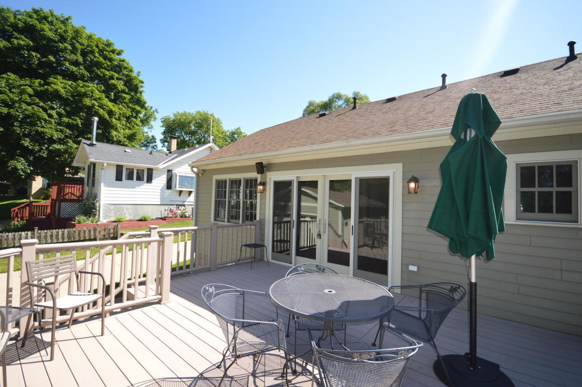 327 High St, Pewaukee, Wisconsin 53072, 2 Bedrooms Bedrooms, ,2 BathroomsBathrooms,Single-Family,For Sale,High St,1699699