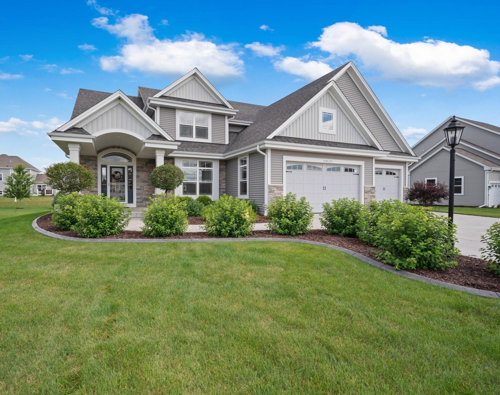 N44W22888 Bridge St, Pewaukee, Wisconsin 53072, 4 Bedrooms Bedrooms, 10 Rooms Rooms,2 BathroomsBathrooms,Single-Family,For Sale,Bridge St,1699807