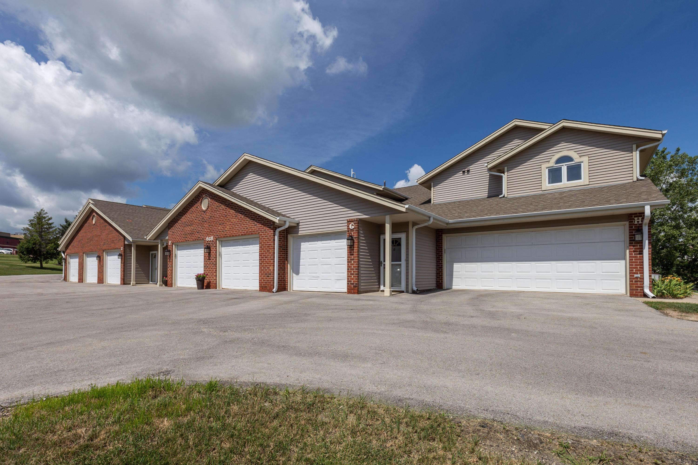 668 Westfield Way, Pewaukee, Wisconsin 53072, 2 Bedrooms Bedrooms, 6 Rooms Rooms,2 BathroomsBathrooms,Condominiums,For Sale,Westfield Way,2,1700426