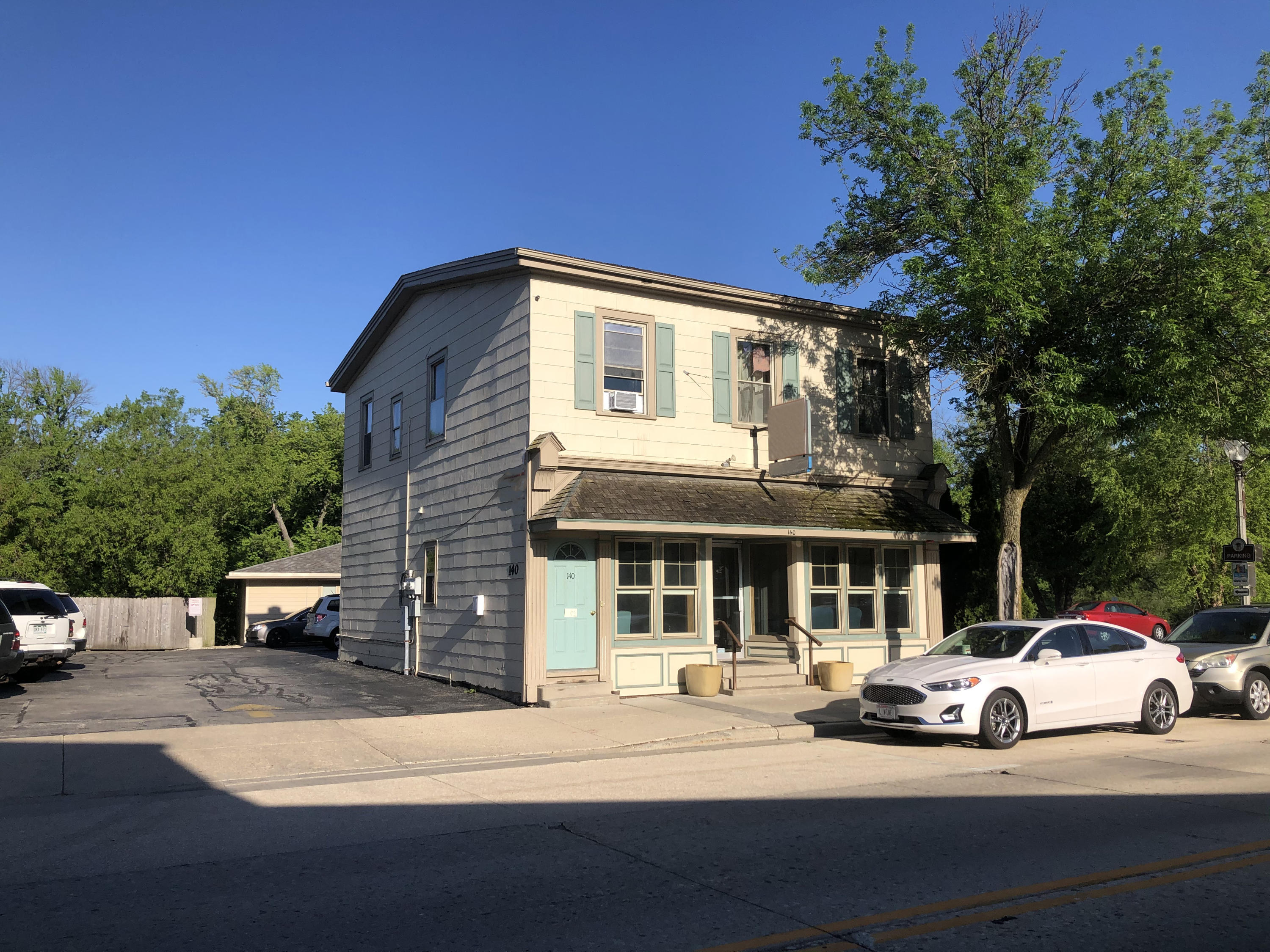 Photo of 140 S Main St, Thiensville, WI 53092