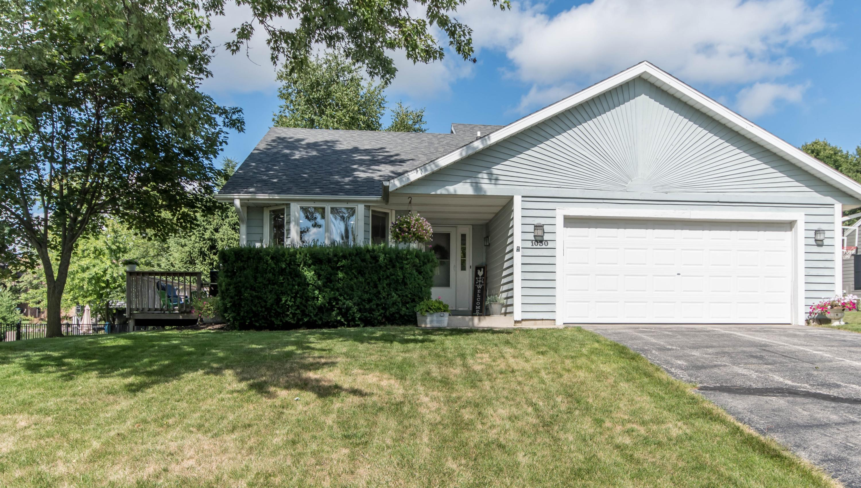1030 Wellington Way, Hartland, Wisconsin 53029, 3 Bedrooms Bedrooms, ,2 BathroomsBathrooms,Single-Family,For Sale,Wellington Way,1700752