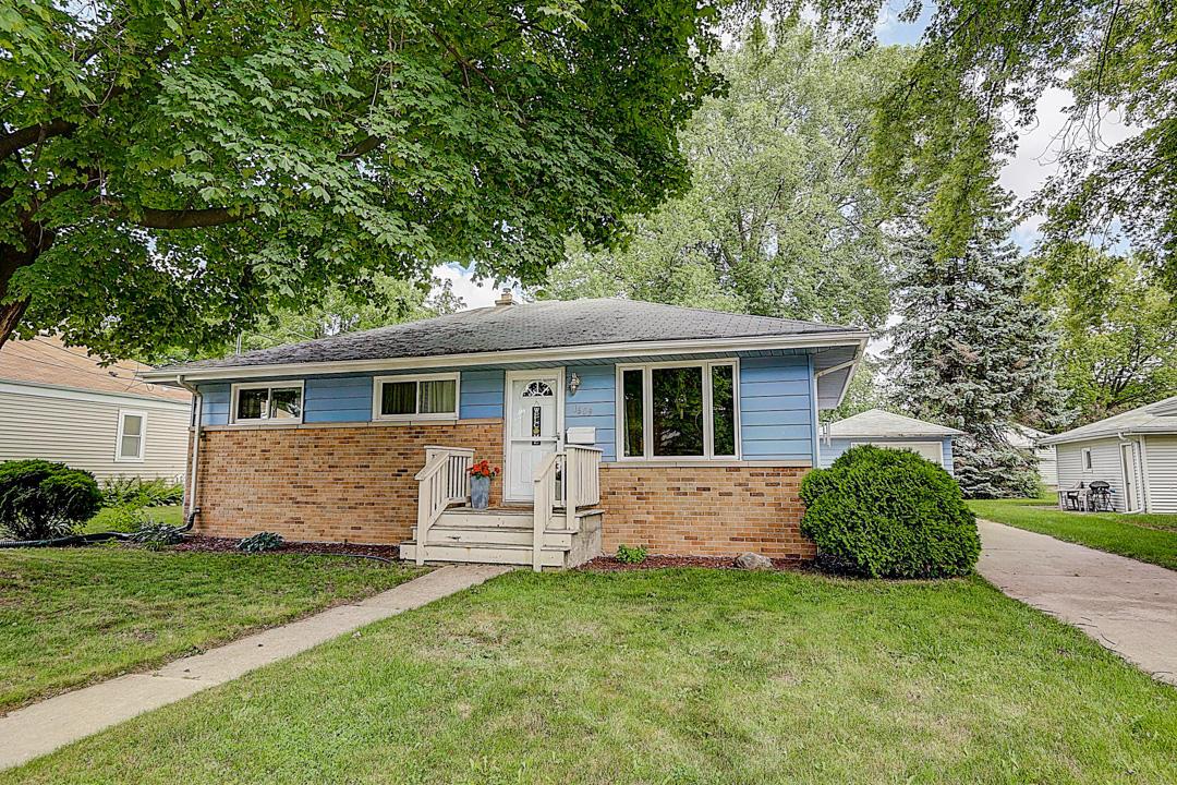 1609 Pewaukee Rd, Waukesha, Wisconsin 53188, 3 Bedrooms Bedrooms, 6 Rooms Rooms,2 BathroomsBathrooms,Single-Family,For Sale,Pewaukee Rd,1700743