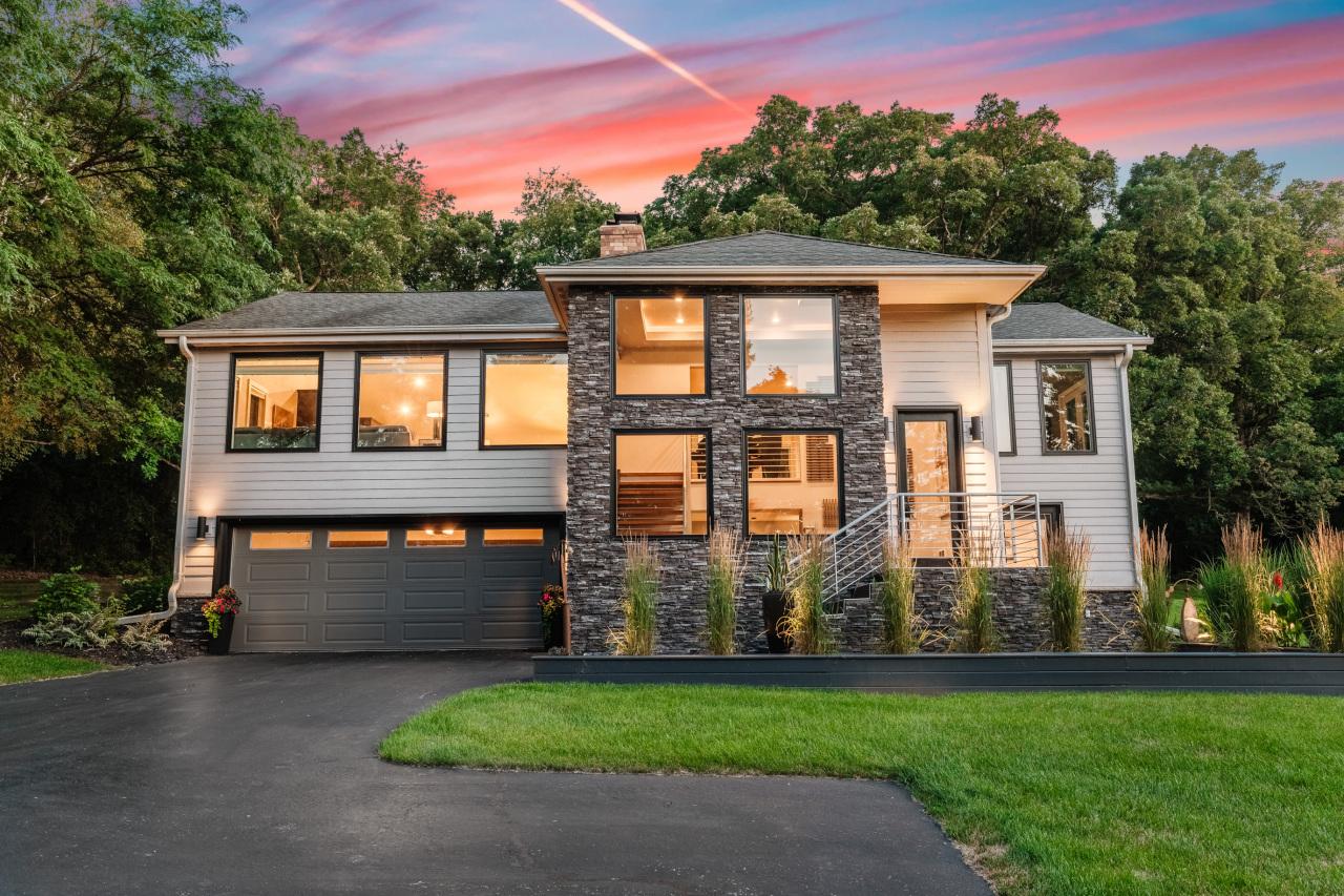 W296N471 Blodwen Dr, Delafield, Wisconsin 53188, 3 Bedrooms Bedrooms, 9 Rooms Rooms,2 BathroomsBathrooms,Single-Family,For Sale,Blodwen Dr,1700048