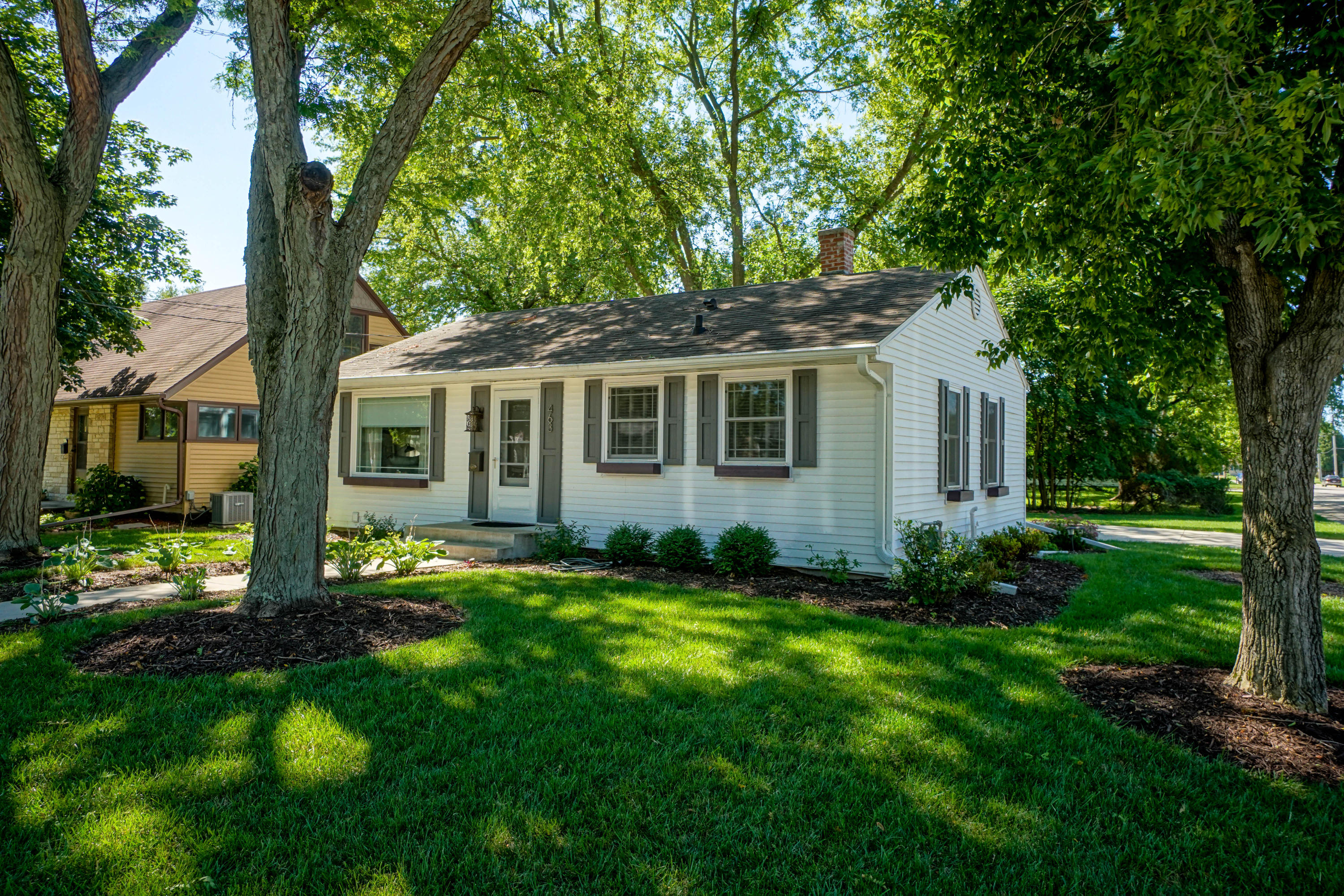 463 5th St, Oconomowoc, Wisconsin 53066, 3 Bedrooms Bedrooms, 7 Rooms Rooms,2 BathroomsBathrooms,Single-Family,For Sale,5th St,1700833