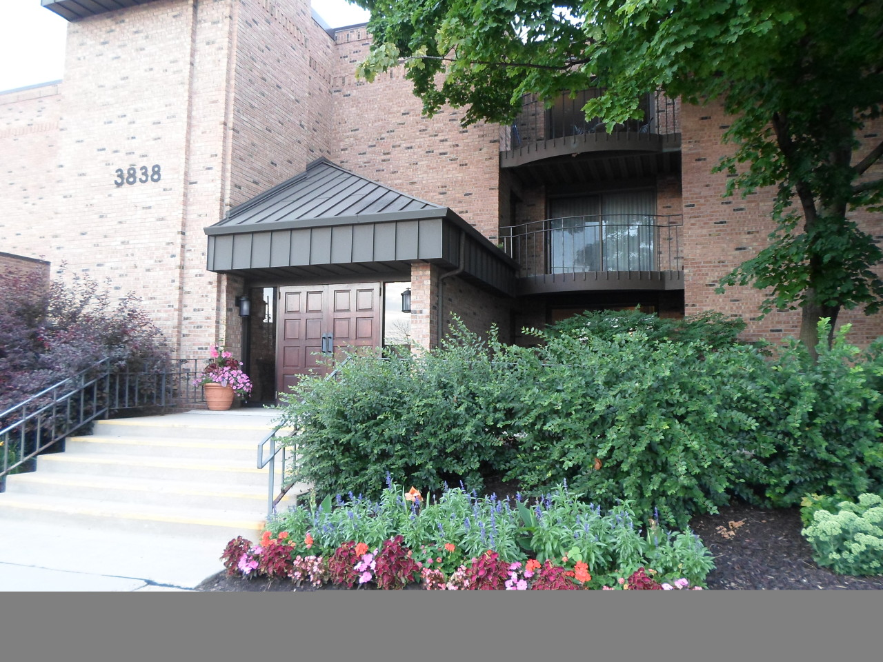 3838 N Oakland Ave #175