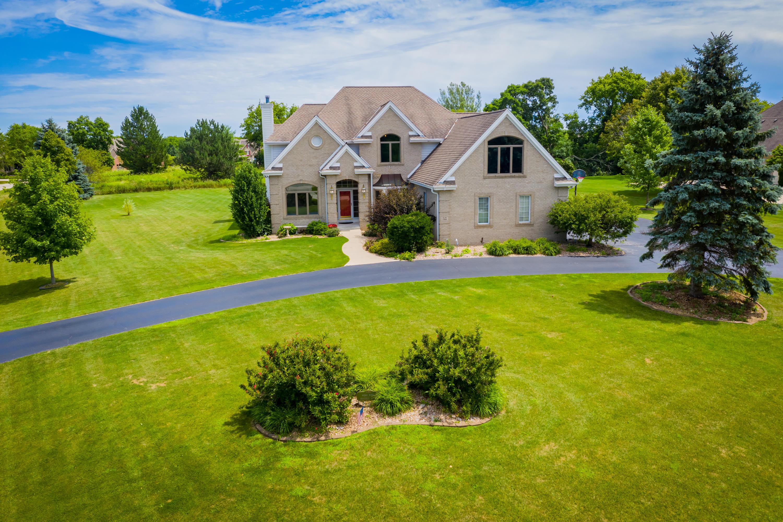 W290N3866 Fox Field Ct, Delafield, Wisconsin 53072, 4 Bedrooms Bedrooms, 14 Rooms Rooms,3 BathroomsBathrooms,Single-Family,For Sale,Fox Field Ct,1699779