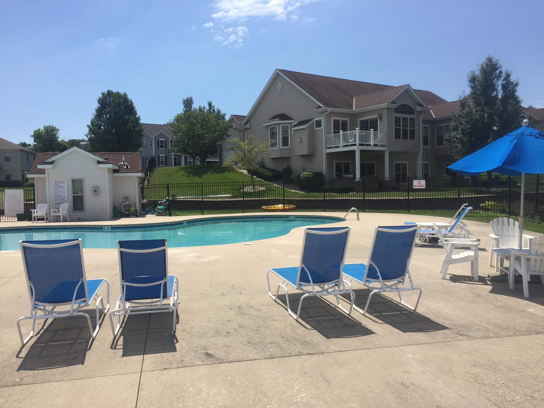 826 Timber Ridge Dr, Waukesha, Wisconsin 53189, 3 Bedrooms Bedrooms, 9 Rooms Rooms,3 BathroomsBathrooms,Condominiums,For Sale,Timber Ridge Dr,1,1701472