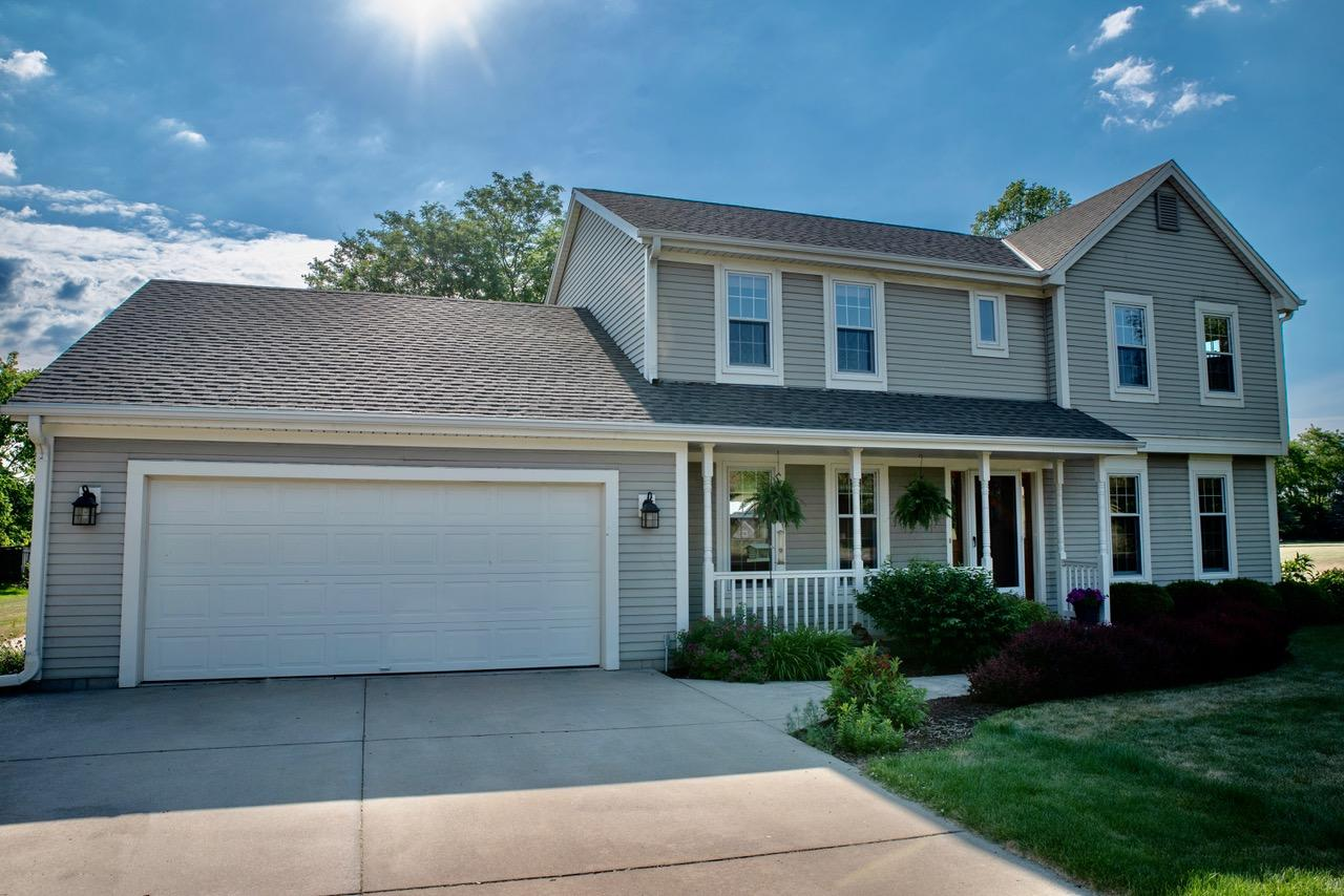 W257S5207 Wood Lilly Ln, Waukesha, Wisconsin 53189, 4 Bedrooms Bedrooms, 14 Rooms Rooms,2 BathroomsBathrooms,Single-Family,For Sale,Wood Lilly Ln,1702002