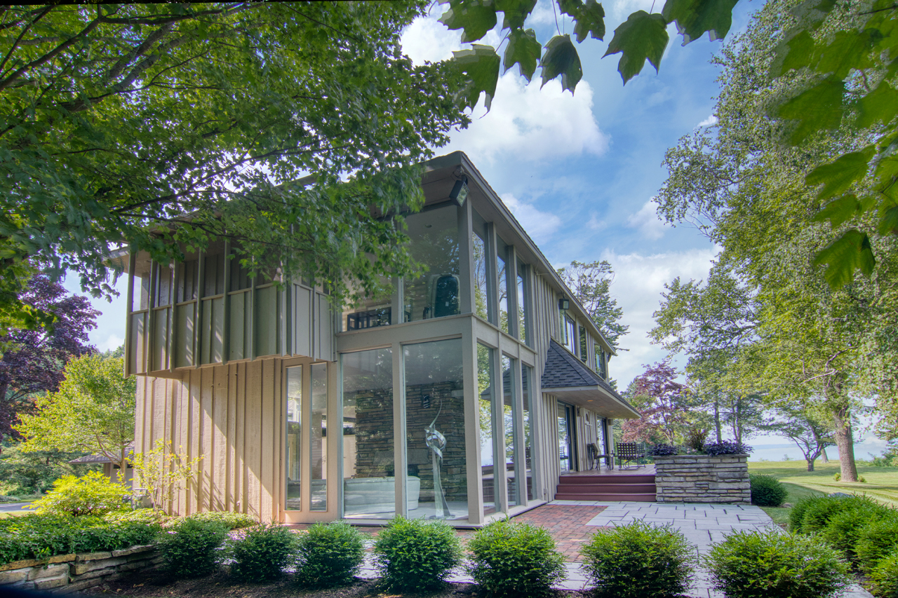 10804 N Lake View Rd, Mequon, WI 53092