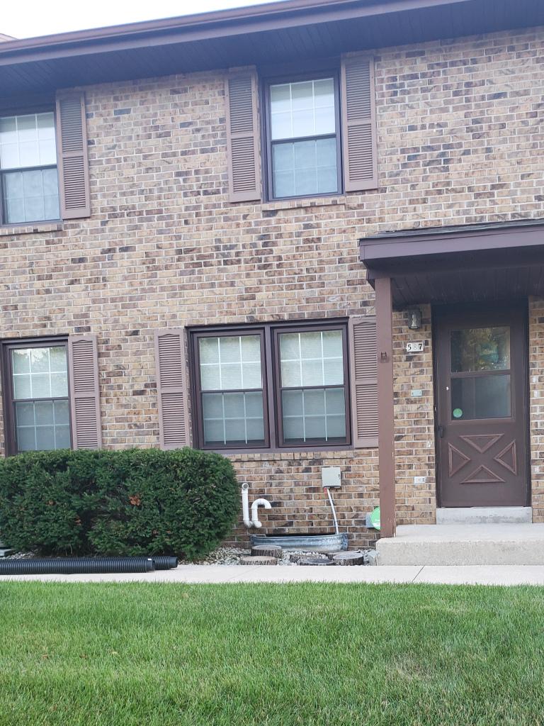 587 Hartridge Dr, Hartland, Wisconsin 53029, 3 Bedrooms Bedrooms, ,1 BathroomBathrooms,Condominiums,For Sale,Hartridge Dr,1,1701847