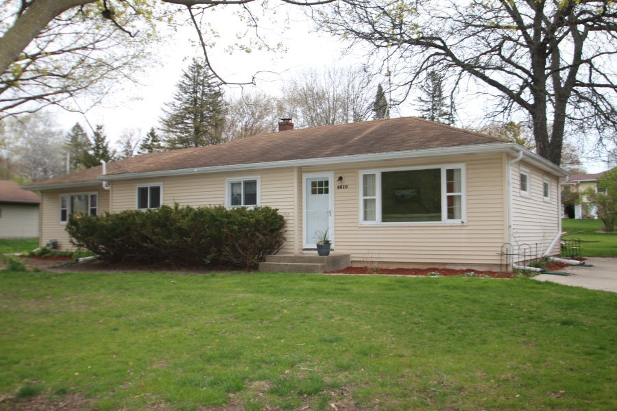 4610 150th St, Brookfield, Wisconsin 53005, 4 Bedrooms Bedrooms, 7 Rooms Rooms,2 BathroomsBathrooms,Single-Family,For Sale,150th St,1702600