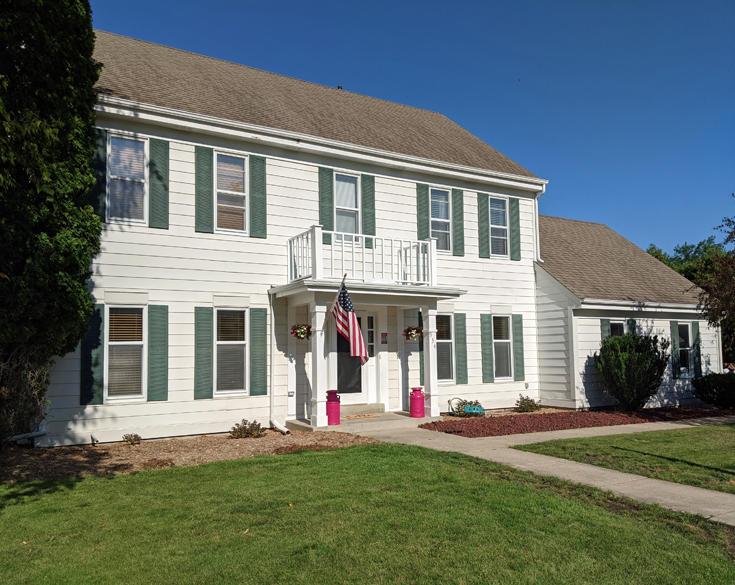 934 Bartlett Dr, Oconomowoc, Wisconsin 53066, 4 Bedrooms Bedrooms, 11 Rooms Rooms,3 BathroomsBathrooms,Single-Family,For Sale,Bartlett Dr,1703218