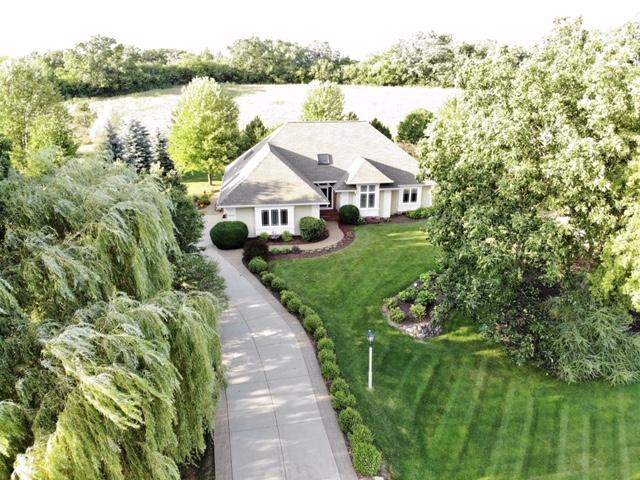 Photo of N42W28946 Imperial Dr, Pewaukee, WI 53072