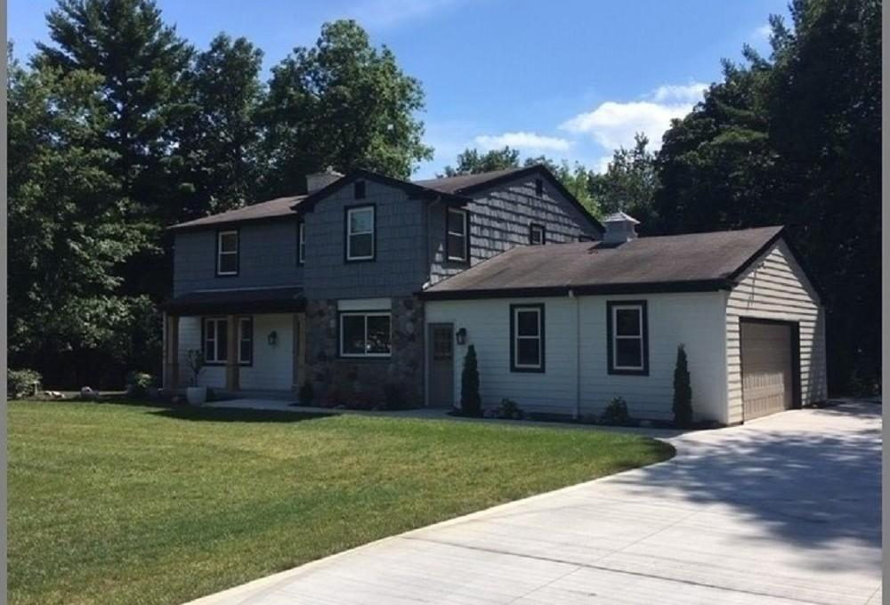 W310N6545 Chenequa Dr, Hartland, Wisconsin 53029, 5 Bedrooms Bedrooms, 9 Rooms Rooms,3 BathroomsBathrooms,Single-Family,For Sale,Chenequa Dr,1705023