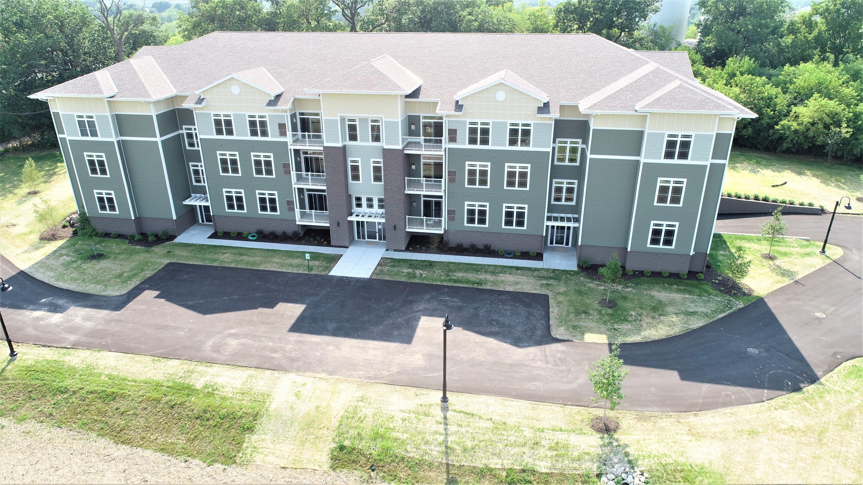 265 Thurow Dr, Oconomowoc, Wisconsin 53066, 2 Bedrooms Bedrooms, 6 Rooms Rooms,2 BathroomsBathrooms,Condominiums,For Sale,Thurow Dr,3,1694158