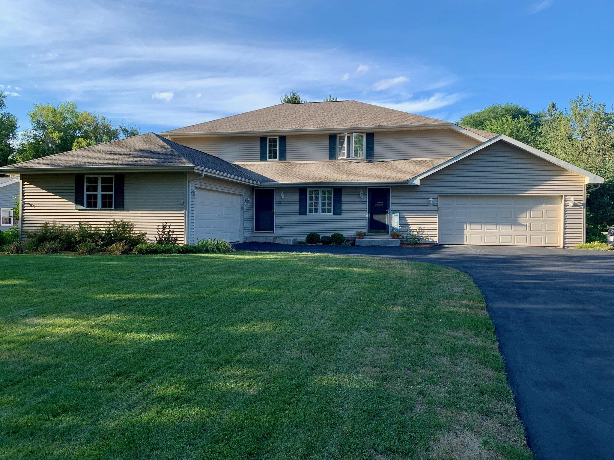 1023 Sunset Dr, Delafield, Wisconsin 53018, 3 Bedrooms Bedrooms, ,2 BathroomsBathrooms,Condominiums,For Sale,Sunset Dr,1,1707264