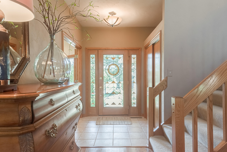 508 Ponderosa Dr, Hartland, Wisconsin 53029, 3 Bedrooms Bedrooms, 8 Rooms Rooms,2 BathroomsBathrooms,Condominiums,For Sale,Ponderosa Dr,1708229