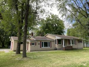 405 W Russell St, Marinette, WI 54143