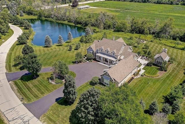 14270 N Pine Bluff Rd, Mequon, WI 53097