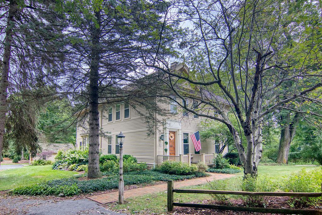 W59N894 Sheboygan Rd Cedarburg, WI 53012 Property Image