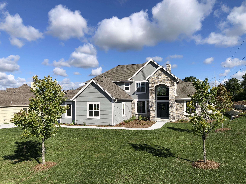 566 Birchwood Dr, Hartland, Wisconsin 53029, 4 Bedrooms Bedrooms, ,2 BathroomsBathrooms,Single-Family,For Sale,Birchwood Dr,1711743