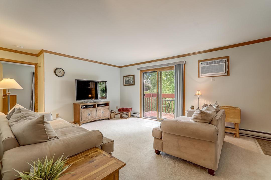 627 Hartridge Dr, Hartland, Wisconsin 53029, 3 Bedrooms Bedrooms, 5 Rooms Rooms,1 BathroomBathrooms,Condominiums,For Sale,Hartridge Dr,2,1712698