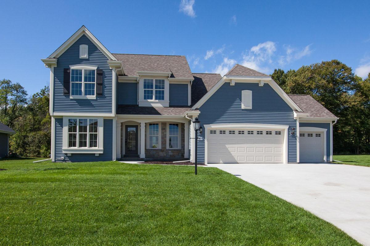 W224N4513 Seven Oaks Dr, Pewaukee, Wisconsin 53072, 4 Bedrooms Bedrooms, 8 Rooms Rooms,2 BathroomsBathrooms,Single-Family,For Sale,Seven Oaks Dr,1712940