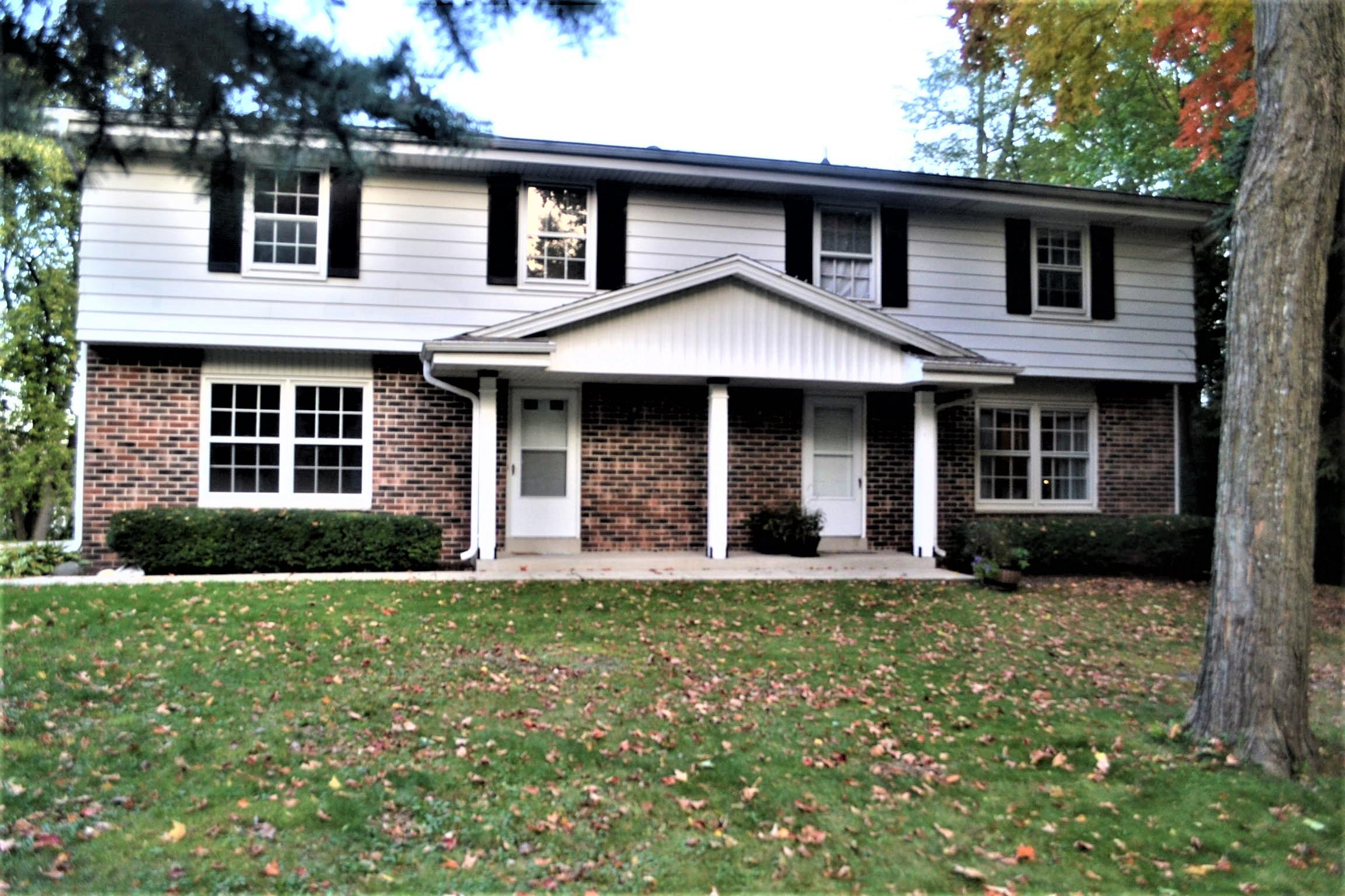 Photo of 560 Meadow Ct #570, Brookfield, WI 53045