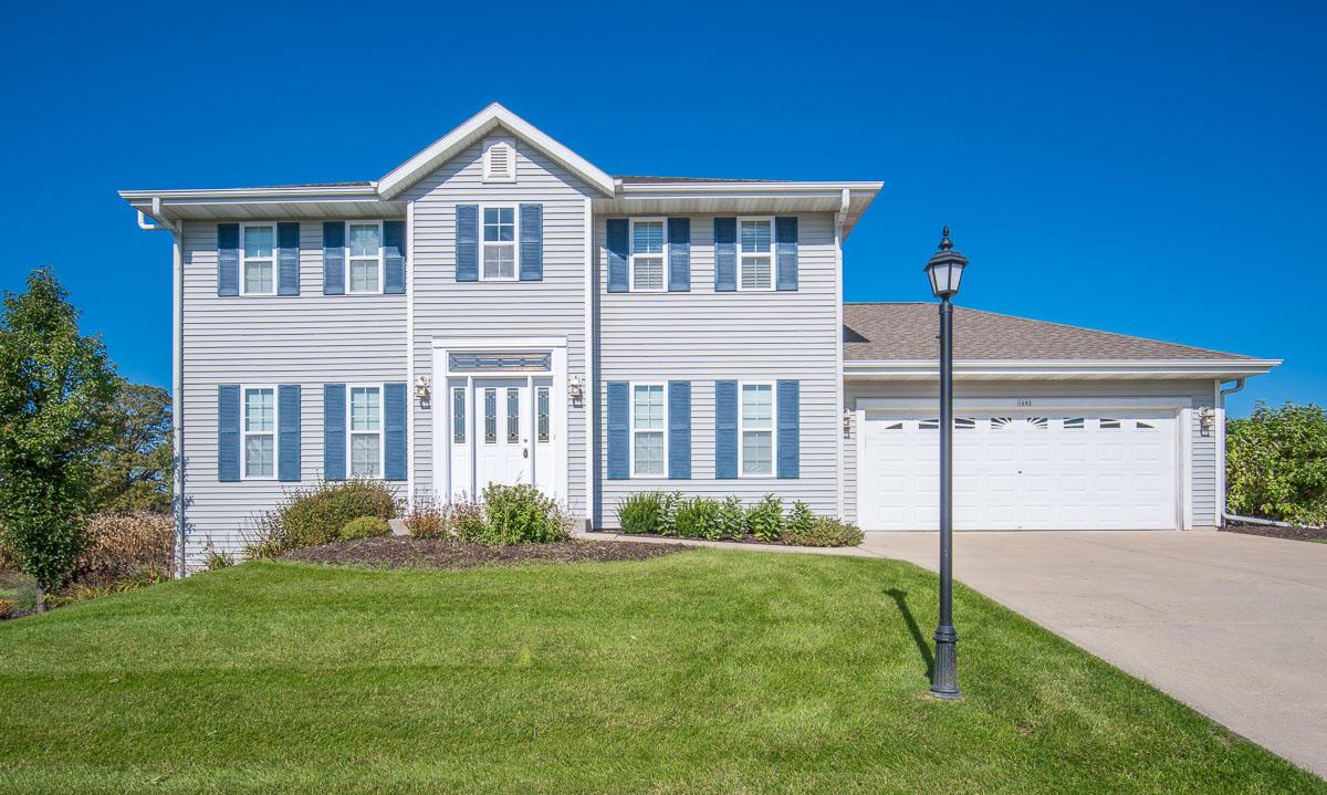1682 Arthurs Pass, Oconomowoc, Wisconsin 53066, 4 Bedrooms Bedrooms, ,2 BathroomsBathrooms,Single-Family,For Sale,Arthurs Pass,1713682