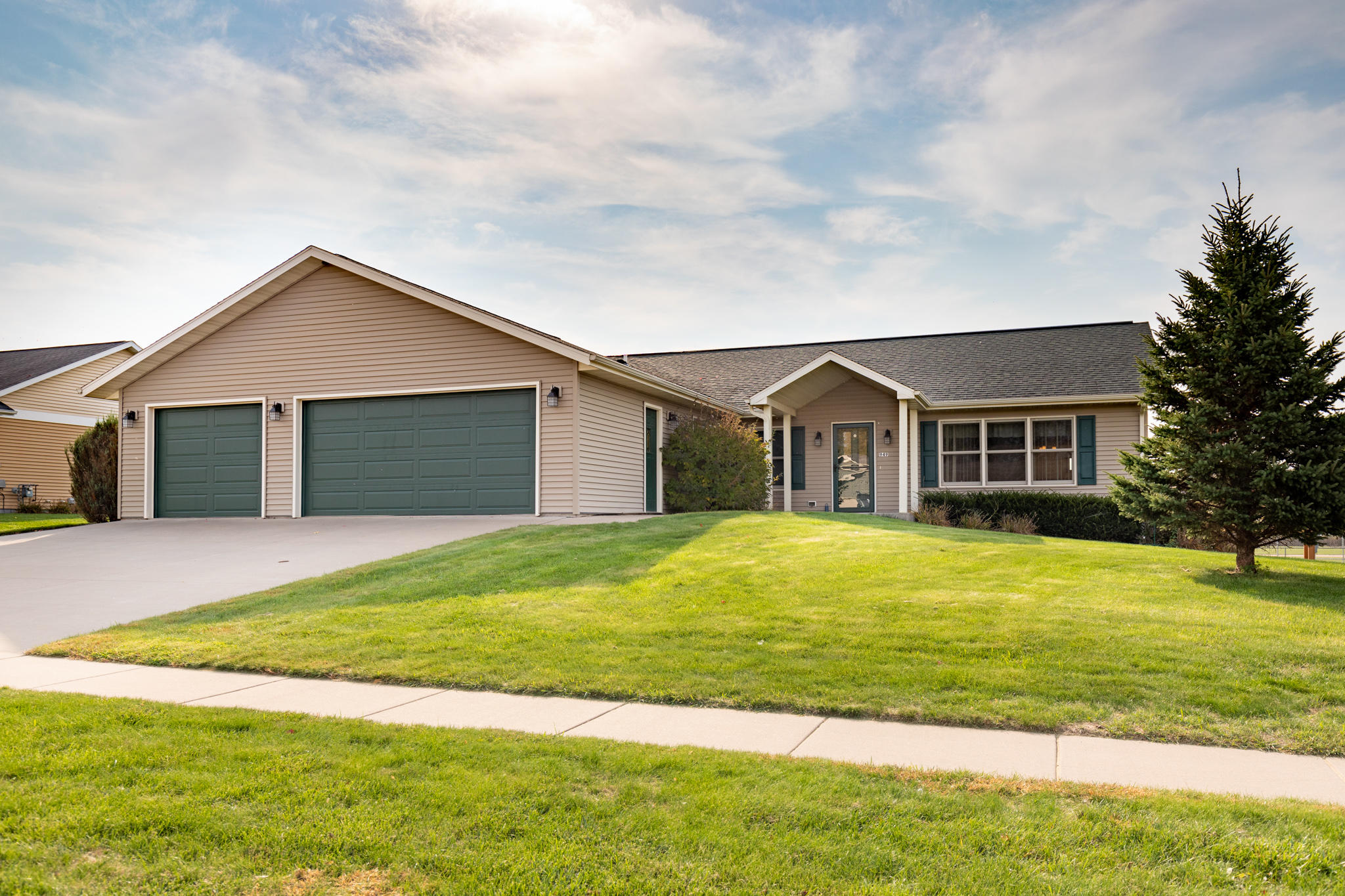 Photo of 949 MEADOW VIEW ST, Bangor, WI 54614