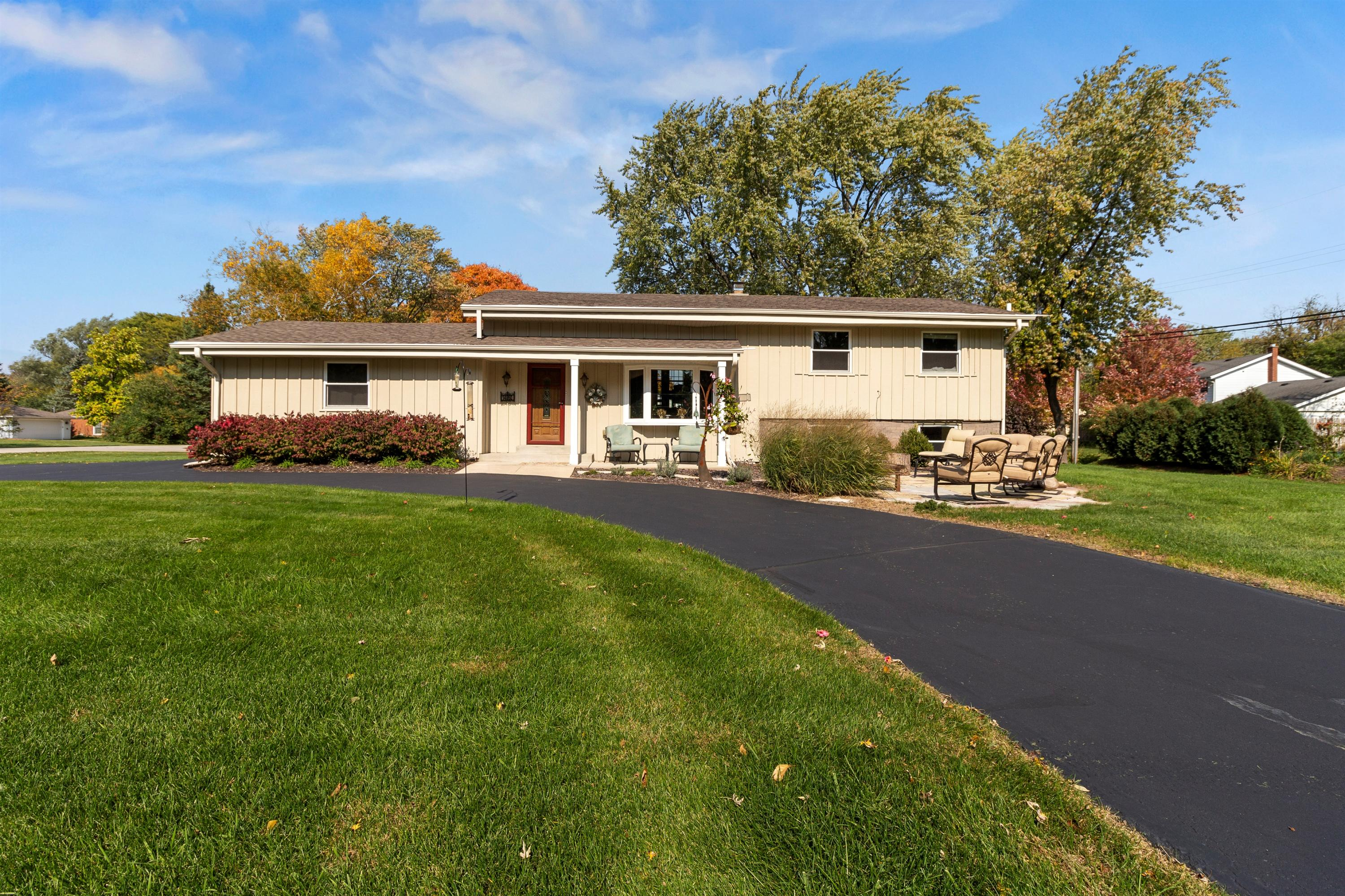 14860 Mt Vernon Ave, Brookfield, Wisconsin 53005, 4 Bedrooms Bedrooms, ,3 BathroomsBathrooms,Single-Family,For Sale,Mt Vernon Ave,1714189